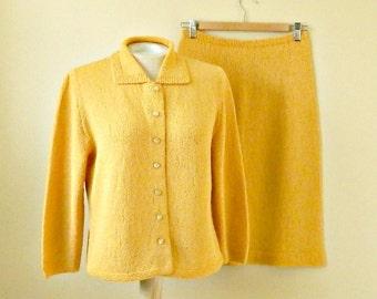 Vintage Hand Knit Suit. Mustard Yellow Knit Suit. Size 6 8 Medium. Cardigan Sweater & Skirt Set. 1960s Knit Suit.