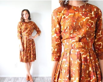 20% OFF BIRTHDAY SALE Vintage Boho fall leaf print 1950's dress // brown leaf autumn 1950's 1960's long sleeve modest dress // floral midi d