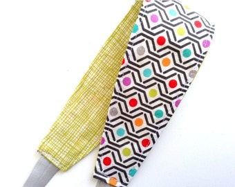 Headband for Women, Teens, or Girls. Reversible. Gray Geometric. Retro Mod Style.
