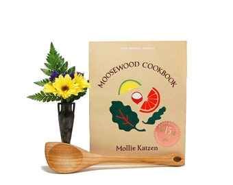 1992 New Revised Moosewood Cookbook Mollie Katzen Vegetarian Recipes Vegan Dinners Healthy Diet Flavorful Meals Slow Food Iconic Cook Book