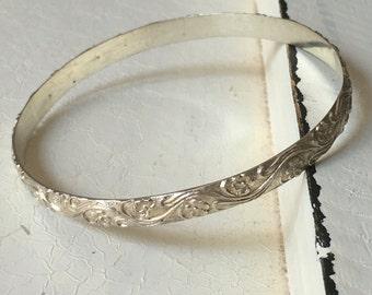 Vintage Sterling Silver Floral Bangle Bracelet. Bangle Bracelet. Sterling Silver Bracelet. Art Deco Bracelet. Floral Leaf Design Bracelet
