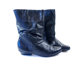 vintage 70s BLACK ruched PIXIE BOOTS leather 7 ankle cuff boho preppy riding slouchy retro hipster indie