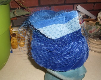vintage ladies hat blue velvet fascinator netting marilyn