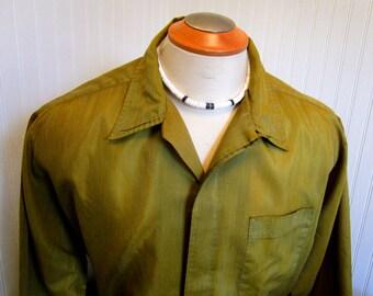 50s XL 17 1/2 Loop & Button Diplomat Sharkskin Shirt Men's Shirt Chartreuse Green