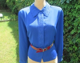 Blouse Vintage / Buttoned Blouse / Blue Blouse / Navy Blouse / Embroidery / Size EUR 46 / 48 X UK18 / 20