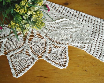 2 Crocheted Doilies White Crochet Doily Vintage Doilies Doilies Handmade D4