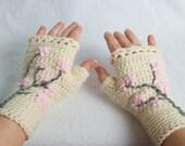 Floral Crochet Fingerless Gloves