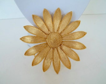 Vintage Large Brushed Gold Daisy Brooch Coat Pin
