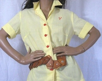on sale Vintage 60s Blouse, Roadrunner, Southwest, Yellow Blouse, Contrast Stitiching, Pajama Top, Vintage 60s, VIntage Blouse, Collared Shi