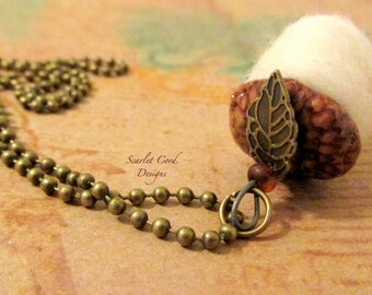 Acorn Necklace, Felted Acorn Necklace, Needle Felted Acorn, Fall Necklace, Woodland Jewelry, White, Acorn Pendant, Custom Color