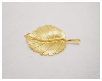 Vintage 1970s Golden Leaf Brooch