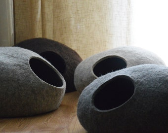 Pet bed / cat bed / cat cave / puppy bed / cat house / pet furniture / cat nap cocoon made of natural color wool XS, S, M, L or XL sizes