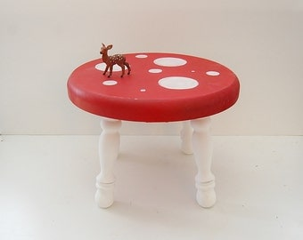 Kids Stool, Child's Mushroom Stool, Solid Wood Hand-painted Round Fairy-tale Toadstool for Children, Mushroom Furniture
