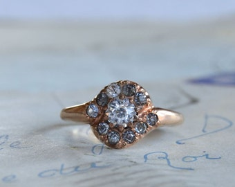 Vintage Costume Ring - Size 8