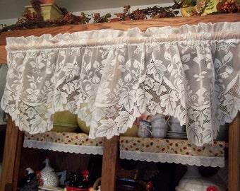 "Pretty 58.5"" Vintage Ivory Lace Valance Ivy Design (DM-14)"