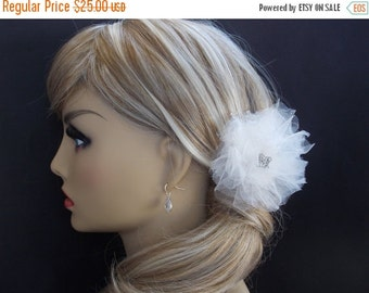 SALE White Bridal Fascinator, Bride Fascinator, Tulle Fascinator, Bride Hair Piece, Wedding Fascinator, Crystal, Rhinestone, Ivory, White, B