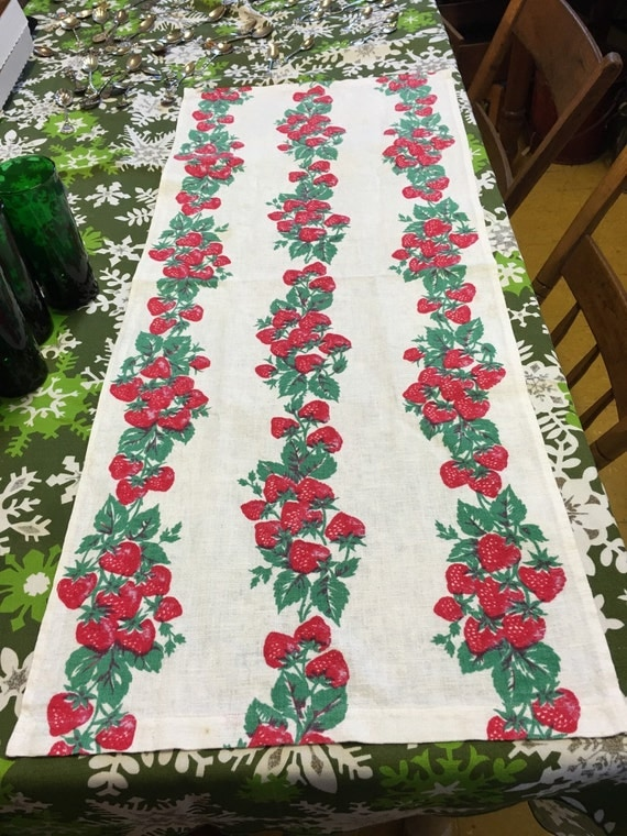 vintage Strawberries Kitchen Towel 1950s 1 yard 36 inches