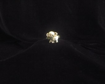 Cute vintage sterling silver elephant ring