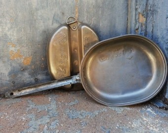 Vintage WWII US Steel Divided Military Mess Kit Unique Embossed w Forts and Countries