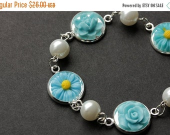 VALENTINE SALE Blue Flower Bracelet. Sky Blue Flower Bracelet with Personalized Letter Charm. Flower and Pearl Bracelet in Silver. Handmade