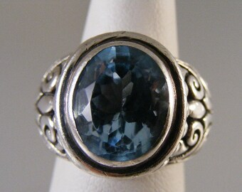 Vintage  Swiss Blue Topaz Sterling Silver Ring.....  Lot 4566