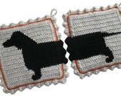 Dachshund Dog Pot Holders.  Crochet potholders with weiner dogs. Dachshund decor