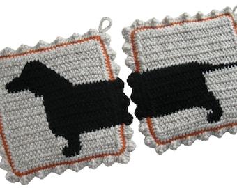 Dachshund Dog Pot Holders.  Crochet hot pad potholders with wiener dogs. Dachshund decor