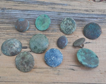 Antique metal buttons.Set of 11.
