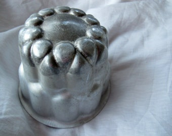 Vintage England Jelly Mold / Vintage aluminum jello mold / tall aspic mold / pudding mold