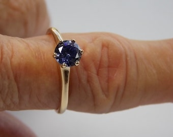 Tanzanite Solitaire Ring .65Ct Yellow Gold 14K 2.3gm Size 8
