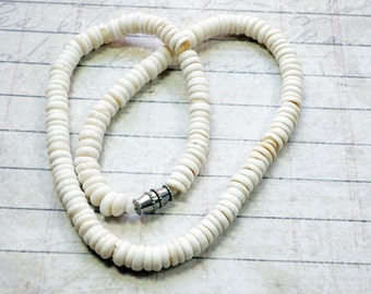 Vintage Hawaiian Puka Shell Necklace 14 Inch Necklace 1/4 inch Diameter Shell P6X
