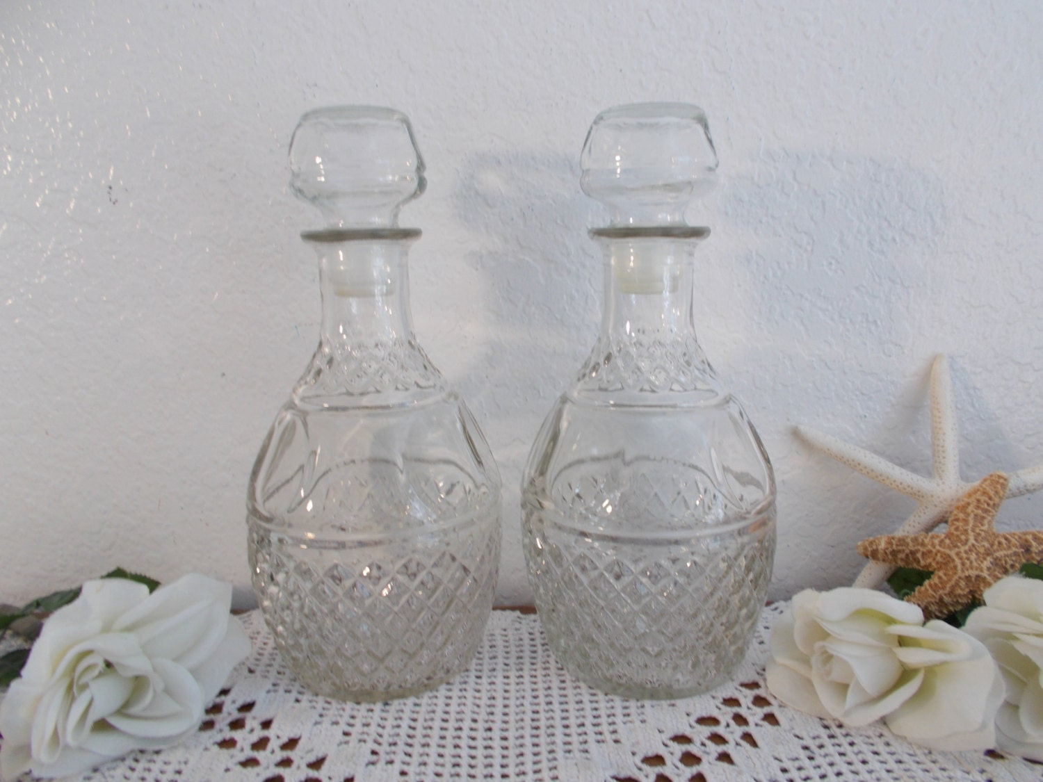 vintage clear glass decanter set wine whiskey liquor bottle. Black Bedroom Furniture Sets. Home Design Ideas