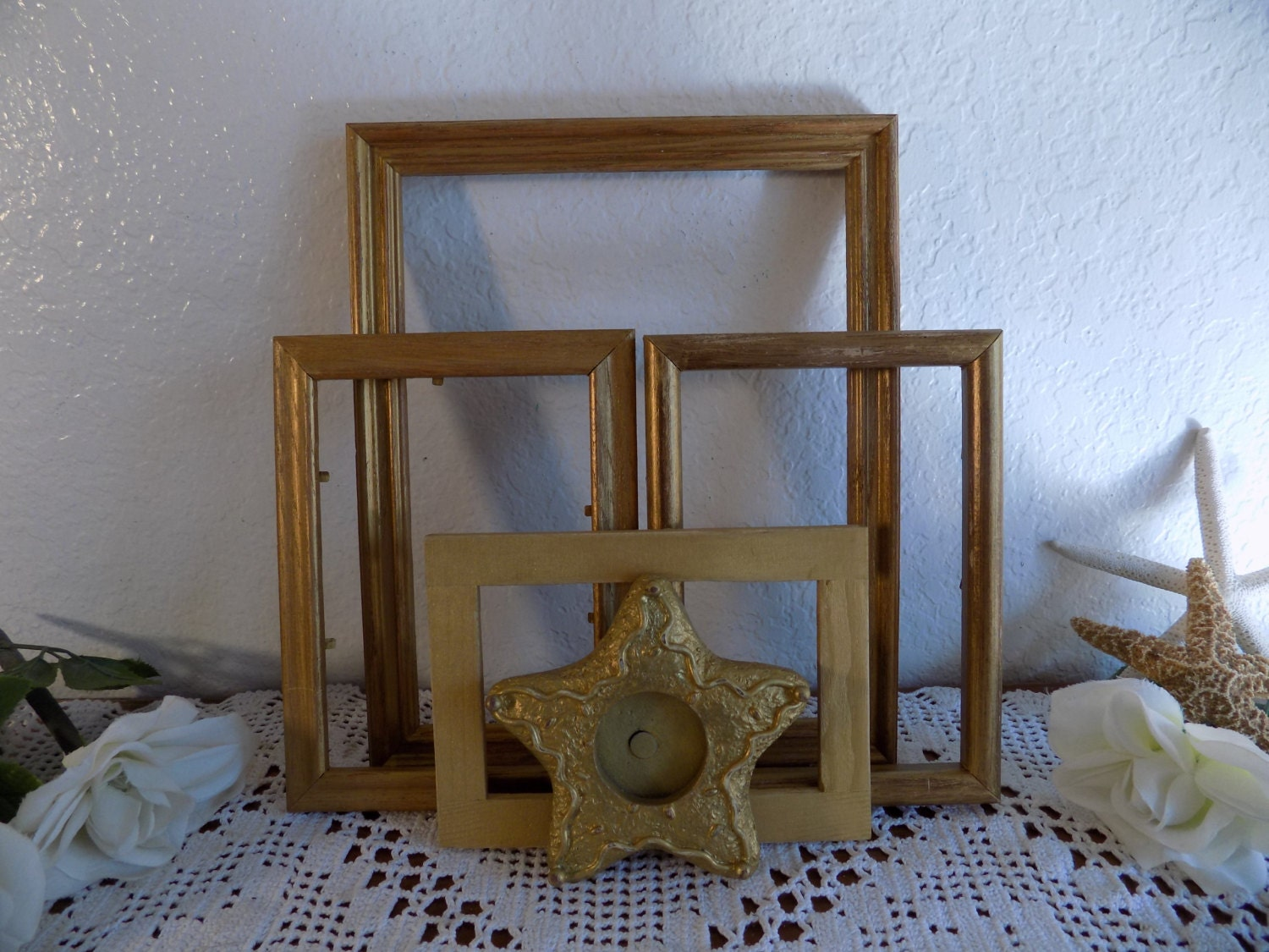 Christmas Holiday Gold Frame Star Set Rustic Shabby Chic