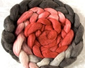 Haunui NZ Halfbred medium micron hand dyed roving - natural gradient: *NEW* Shelter over Oatmeal