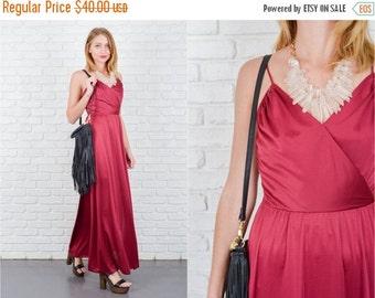 ON SALE Vintage 70s Maxi Dress Boho Hippie Spaghetti Strap Plunging Sweetheart Small 5507 vintage dress maxi 70s dress plunging dress sweeth