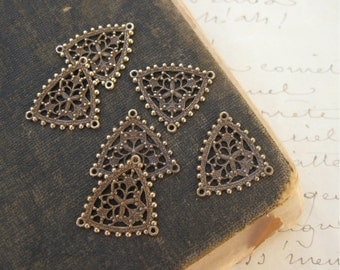 Brass Ox Filigree Triangle Connector Findings 20x17mm (6)