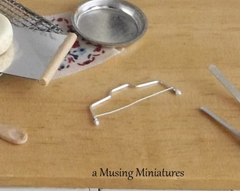Cake Leveler for Tortes in 1:12 Scale Dollhouse Miniature Kitchen Bakery