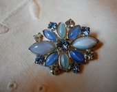 Vintage Clear and Blue Rhinestone Brooch / Lapel Pin
