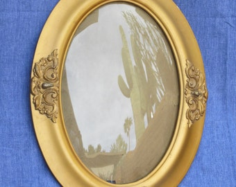 Gold Oval Photo Frame with Bubble Glass