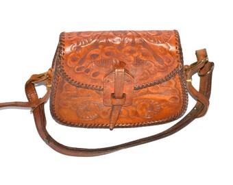 Vintage leather hand tooled sturdy bag  flowers purse 70s honey brown  leather  boho  Satchel  shoulder  bag