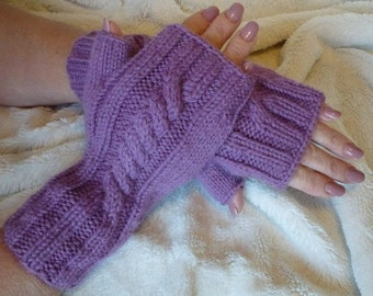 Wrist Warmers Cable Light Purple