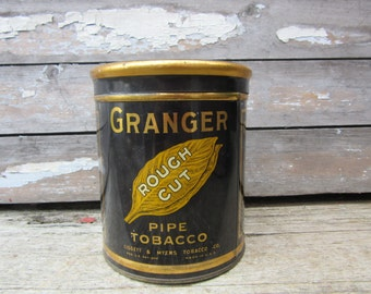 Vintage GRANGER Tobacco Tin Can Pipe Cigarettes Smoking Tobacco Tin Pointer Hunting Dog Kentucky Tobacco Metal Can Rustic Props Display