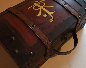 Large JRR Tolkien inspired suitcase bookholder Keepsake Box Chest - The Hobbit - Lord of the Rings box wood burned 15 inches long