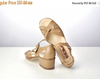 ON SALE Vintage 60s Deadstock Taupe Chunky Heel Strappy Peep Toe Summer Sandals