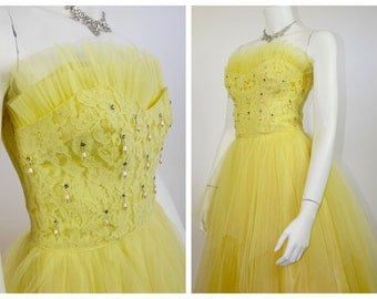 1950's Lemon Yellow Cupcake Prom Dress / Rockabilly Cocktail Dress / 50's Strapless Party Dress with Shelf Bust & Layered Lace and Tulle