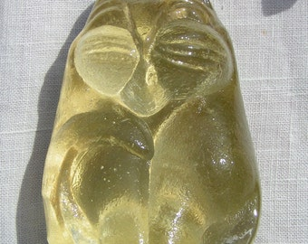 Strange looking CAT PAPERWEIGHT   -  Opaque   Clear  Yellow Glass
