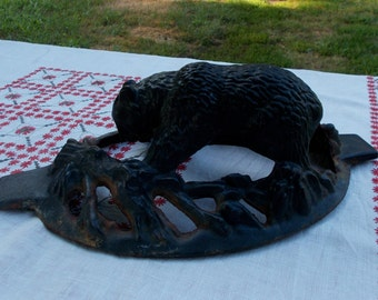 Vintage CAST IRON BEAR    Top to an old Steam Pot   High Quality Detailed Casting  Home Garden Decor