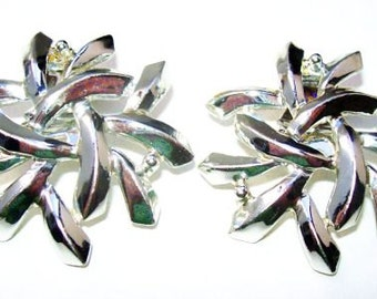 """Charel Silver Clip On Earrings Abstract Stars Plated Metal Holidays 1.5"""" Vintage"""