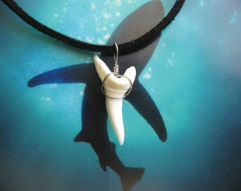 "Shark Tooth Necklace, Modern day Mako Shark tooth, Stainless Steel wire wrap, 20"" Suede Leather cord"