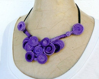 Purple short necklace, Wire wrapped lilac Choker, Wearable art jewelry, Fiber quirky necklace, Whimsical bib necklace, Cool violet swirl bib